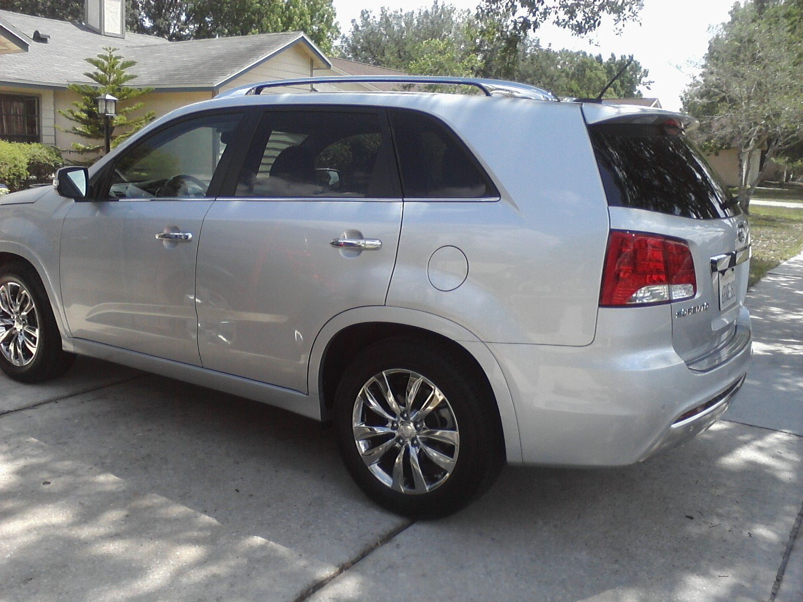 review 2012 kia sorento sx who said nothing in life is free. Black Bedroom Furniture Sets. Home Design Ideas