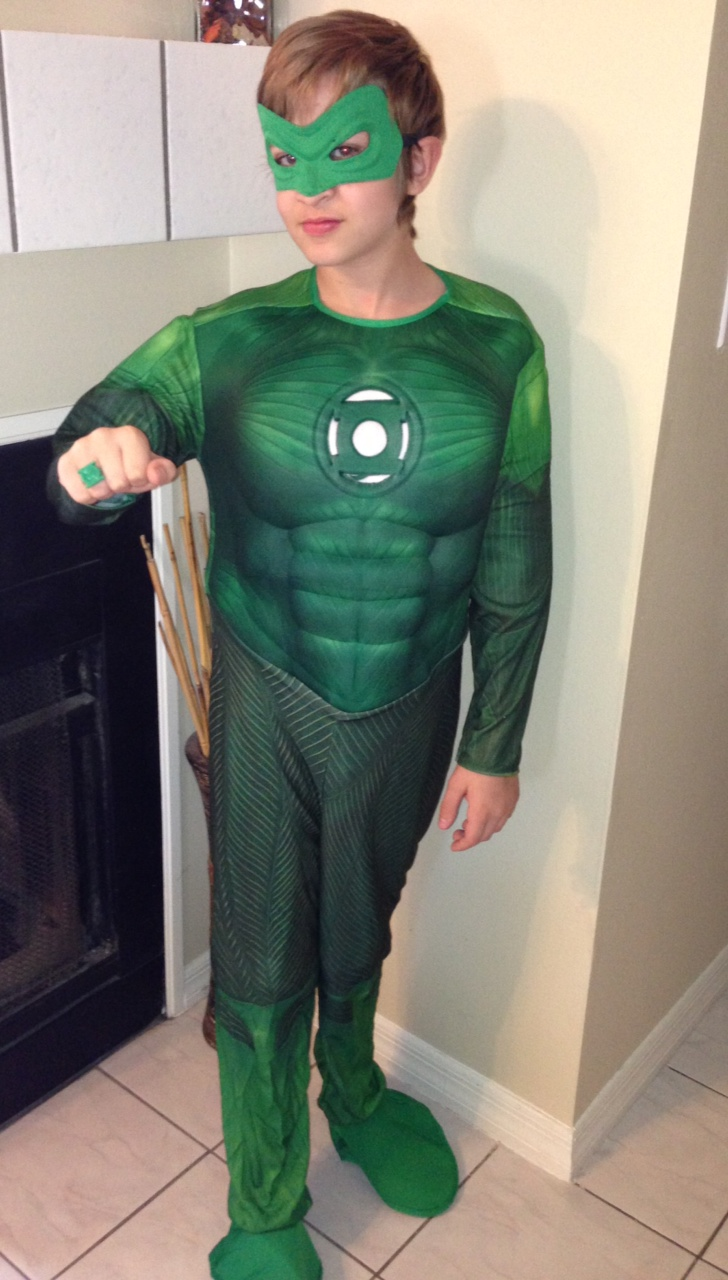Costume Super Center - Deluxe Green Lantern Costume Review - Who ...